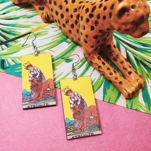 Strength Tarot Earrings 🦁